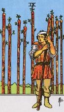 tarot mineures signification bâtons 9